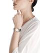 Montre LVCEA avec boîtier en or rose 18K et acier inoxydable, cadran en nacre blanche avec index sertis de diamants, guichet de date et bracelet en alligator bleu. 102638 image 4