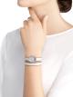 Montre Serpenti avec boîtier en acier inoxydable serti de diamants, cadran en nacre blanche et bracelet double spirale interchangeable en cuir de karung blanc. 102781 image 4